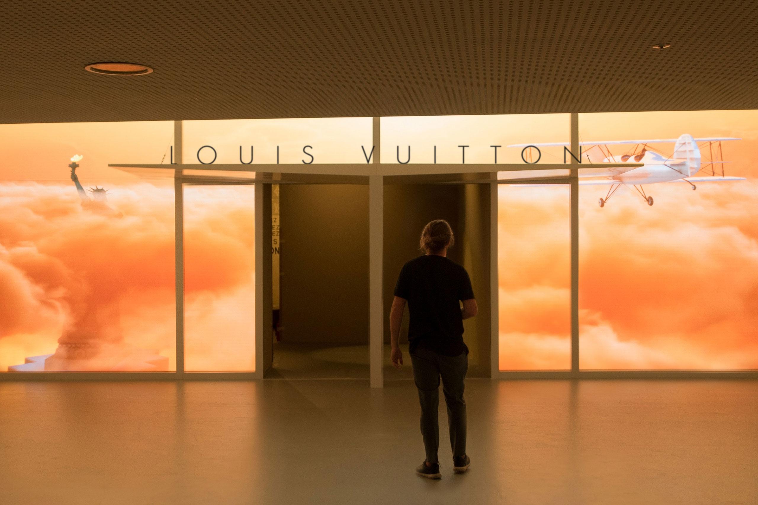 Louis Vuitton Volez, Voguez, Voyagez Seoul
