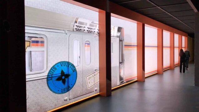 Louis Vuitton Volez, Voguez, Voyagez New York
